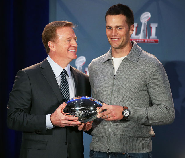 tom brady, roger goddell, superbowl 51, mvp trophy, houston, ultimate spotlight, ultimate spotlight magazine, usl magazine, uslmagazine.com, uslmag.com, usl mag, uslmag, atlanta entertainment magazine, baltimore entertainment magazine, d.c. entertainment magazine